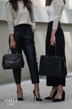 We love these classy black-and-white looks, accompanied with our CENTRAL and VIADUKT in black. The perfect minimal office outfits! Did you know that our handbags can be worn many different ways? Discover them now on our website!