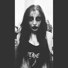 Broly Ssj3, Face Paint Makeup, Living Dead Dolls, Goth Model, Rocker Chick, Gothic Makeup, Steampunk, Metal Girl, War Paint