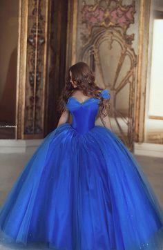 2017 Clássico Cinderela Prom Party Vestidos Custom Made Vestido Para 15 Anos Incrível Azul Royal Organza vestido de Baile Quinceanera Dresse