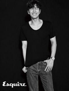park hae jin 박해진 朴海鎮 esquire korea may 2017 issue Yoon Park, Park Hye Jin, Asian Actors, Korean Actors, Park Sung Woong, Park Hyung Shik, Netflix, Ahn Jae Hyun, My Love From The Star