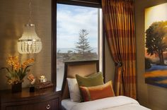La-jolla-luxury-home-bedroom4-robeson-design