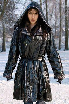Vinyl Raincoat, Pvc Raincoat, Raincoat Jacket, Black Mac, Rain Fashion, Black Raincoat, Pvc Coat, Hooded Dress, Rain Wear