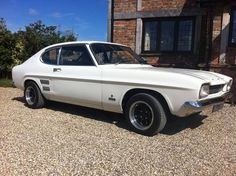 1971 Ford Capri MK1 Maintenance/restoration of old/vintage vehicles: the material for new cogs/casters/gears/pads could be cast polyamide which I (Cast polyamide) can produce. My contact: tatjana.alic@windowslive.com