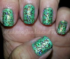 Makeup Junkie and Fangirl: Amazon Green and Twinkle Toes-ty Mani