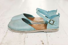 https://www.etsy.com/listing/230626340/blue-sandals-blue-handmade-leather?ref=shop_home_active_16