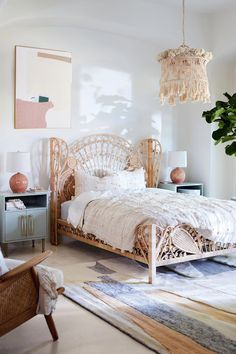 modern bohemian bedrooms Bohemian minimalist with urban outfiters bedroom ideas 18 Bohemian Bedroom Decor, Cozy Bedroom, Home Decor Bedroom, Bedroom Ideas, Wicker Bedroom, Bedroom Designs, Decor Room, Modern Bedroom, Bedroom Furniture