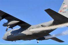 Fotos secretas de aviões carregados com agentes químicos que são espalhados nos céus diariamente são finalmente reveladas ~ Sempre Questione