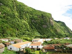 The Azores : Travel deep blue - Via Wall Street International | 04/16/2015 Located in the middle of the Atlantic Ocean, the volcanic archipelago of thousands of years is completed by the beauty of nine different islands : São Miguel , Santa Maria , Pico , Faial , São Jorge , Graciosa , Terceira, Flores and Corvo . At a distance of 1500 kilometers from the Portuguese mainland , it is like being in paradise on Earth - if it exists elsewhere. #portugal Photo : Flores Island , Azores