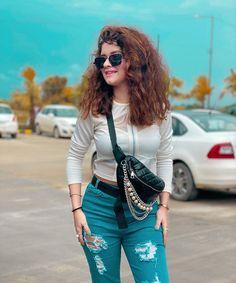 Teen Actresses, Indian Actresses, Cute Girl Pic, Cute Girls, Punjabi Actress, Hourglass Dress, Child Actors, Stylish Girls Photos, Girl Poses