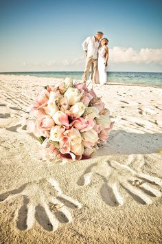 Beautiful photo idea for a beach wedding!