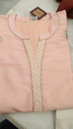 Sleeves Designs For Dresses, Neck Designs For Suits, Neckline Designs, Back Neck Designs, Dress Neck Designs, Blouse Designs, Churidar Neck Designs, Kurta Neck Design, Kurta Designs Women