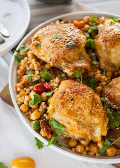 Baked paprika chicken served over a bed of couscous mixed with fragrant chickpeas and tomatoes makes for a delicious, complete meal. Oven Chicken, Chicken Seasoning, Couscous Recipes, Salad Recipes, Chicken Couscous, Chicken Chickpea, Salad Chicken, Easy Healthy Dinners, Healthy Recipes