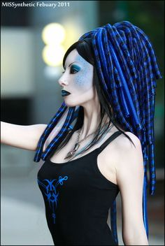 MISSynthetic cyber blue makeup with blue dreads