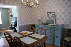 Cutting Edge Stencils shares a DIY stenciled dining room using the Cascade Allover pattern for a wallpaper look. Wall Stencil Patterns, Stencil Diy, Stencils, Painting Wallpaper, Stencil Painting, Gray Interior, Cool Walls, Diy Wall Decor, Colorful Interiors