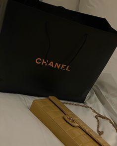 Vintage Chanel Bag of my dreams Vintage Chanel Bag, Luxury Bags, Tote Bag, Bags, Totes, Tote Bags