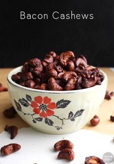 These bacon cashews only have four ingredients, and they're a total snap to make. Eat them on their own or use them to top soups, salads, or favorite bowl! Healthy Vegan Snacks, Vegan Appetizers, Vegan Vegetarian, Vegetarian Recipes, Healthy Recipes, Eating Vegan, Vegan Food, Vegan Meals, Nut Recipes