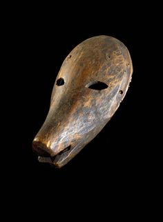 Yup'ik bear mask. Alaska, late 19th century. Wood, paint.