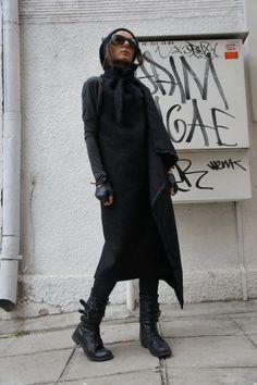 Black  High Quality  Bouclé Vest  / Sleeveless by Aakasha on Etsy,