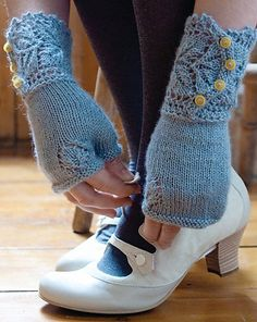 Aren't these awesome! I just bought the pattern and Im going to start them next week.