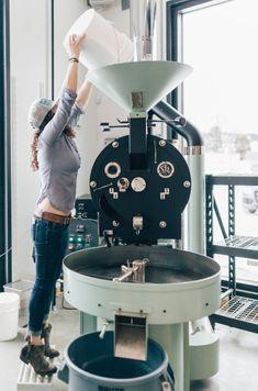Treeline Coffee: Talking Roasting and Re-branding with Natalie Van Dusen Coffee Machine Best, Best Espresso Machine, Coffee Latte, Coffee Cups, Coffee Logo, Coffee Maker, Tostadas, Buy Coffee Beans, Nitro Coffee