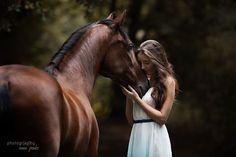 """http://weheartit.com/entry/260121487/via/gilmar_souza_silva """"Conquiste a confiança do seu animal. Depois disso, ele estará sempre à espera do seu carinho!"""""""