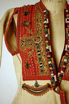 diaphanee:    Macedonian embroidery.