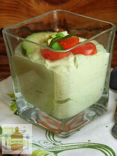 Chłodnik z avocado Pudding, Drinks, Food, Drinking, Puddings, Drink, Meals, Cocktails