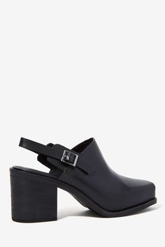 Intentionally Blank Honcho Leather Mule | Shop What's New at Nasty Gal