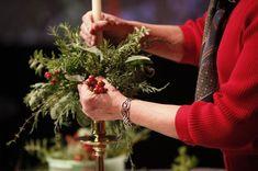 Secrets of Colonial Williamsburg's holiday decor Christmas Centerpieces, Christmas Decorations To Make, Christmas Wreaths, Xmas, Holiday Decor, Merry Christmas, Williamsburg Christmas, Colonial Williamsburg, Virginia Homes
