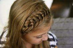 12 Erstkommunion Frisuren Ideen Für Mädchen // #Erstkommunion #Frisuren #für #Ideen #Mädchen