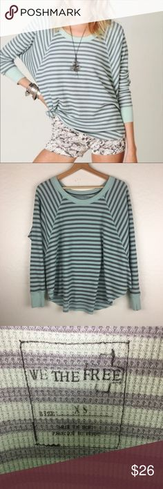 WE THE FREE LOVE BUG FLOWY STRIPED THERMAL EXCELLENT PREOWNED CONDITION   WOMENS FREE PEOPLE LOVE BUG THERMAL  SIZE XS BUT SINCE ITS FLOWY AND OVERSIZED IT COULD FIT UP TO A MEDIUM  THIS IS LIGHTWEIGHT BUT SO WARM AND COZY  SMOKE AND PET FREE HOME Free People Tops