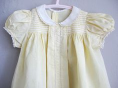 Dress Baby Girl Smocking Peter Pan Collar Yellow and White Lace. Baby Girl Dresses, Baby Dress, Flower Girl Dresses, Baby Clothes Patterns, Clothing Patterns, 1940s Dresses, Cotton Dresses, Vintage Baby Clothes, Heirloom Sewing