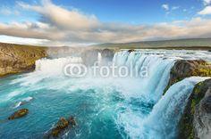 Fototapety na wymiar galeria: Wodospady