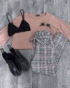Idée de tenue - Outfit Ideas - Clothes - Lilly is Love Layering Outfits, Fall Outfits, Casual Outfits, Cute Fashion, Fashion Outfits, Womens Fashion, Hijab Mode Inspiration, Fashion Terms, Elegantes Outfit