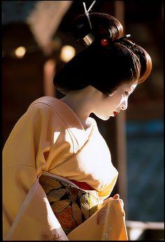 umesato | geisya himukaidaijingu canon eos3 + ef70-200 f2.8L… | Flickr