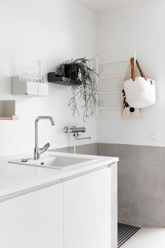 KODIN KIERRÄTYSRATKAISUT | MUSTA OVI – Sisustusblogi, skandinaavinen sisustus ja diy vinkit pienelläkin budjetilla Scandinavian Kitchen, Laundry In Bathroom, Diy Room Decor, Home Decor, Interior Design Inspiration, Interior Design Living Room, Home Kitchens, Home Accessories, Kitchen Design