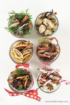 See how to make a DIY stovetop potpourri gift that make your house smell like Christmas. Dry potpourri recipes are wonderful homemade holiday gift ideas. Stove Top Potpourri, Simmering Potpourri, Fall Potpourri, Mason Jar Gifts, Mason Jar Diy, Diy Gifts For Christmas, Xmas, Christmas Popurri, Christmas Smells
