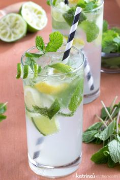 Who said it was absolutely necessary to make alcohol to make great and gourmet cocktails? That's why we have found for you 10 recipes of refreshing cocktails and … Ginger Ale, Smoothies, Smoothie Drinks, Non Alcoholic Mojito, Mojito Drink, Best Sugar Cookies, Sugar Detox, Vegetable Drinks, Jars