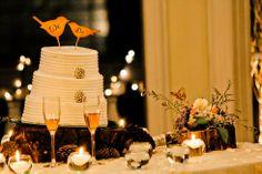 Wedding cake table! Nos encanta lo que hacemos. www.fullbodas.com Table Decorations, Furniture, Home Decor, Weddings, Centerpieces, Stamps, Decoration Home, Room Decor, Home Furnishings
