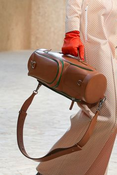 Lacoste Ready To Wear Fall Winter 2020 Paris Live Fashion, Paris Fashion, Latest Fashion, Fashion Show, Big Bags, Fashion Details, Bag Making, Lacoste