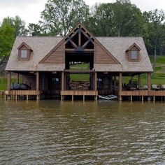 boat house, boat dock, sunbathing deck, and entertainment ...