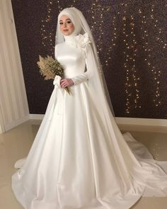 Muslim Wedding Gown, Arabic Wedding Dresses, Muslimah Wedding Dress, Muslim Wedding Dresses, Hijab Bride, Princess Wedding Dresses, Dream Wedding Dresses, Bridal Dresses, Hijab Evening Dress