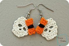 Really cute and really easy, these earrings are very simple to make in no time at all. Halloween is just around the corner and what a better way to celebrate than some black and orange skulls upon your lobes? The Sally Skulls Earrings by Divine Debris are a free addition to the popular Sally Skulls …