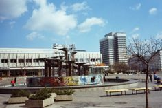 Alexanderplatz mit Brunnen der Völkerfreundschaft von Walter Womacka, 1969-70