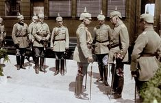 Kaiser Wilhelm II in talks with some troops to train at the station in Lida (now in Belarus), during the First World War.