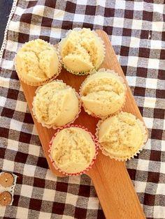 楽天が運営する楽天レシピ。ユーザーさんが投稿した「フライパンで簡単きな粉蒸しパン【離乳食】」のレシピページです。赤ちゃんが大好きな蒸しパンです♪きな粉味でほんのり甘くて美味しいタンパク質もとれる栄養満点のオヤツです☆余った粉ミルクの消費にも♪幼児のおやつにも♡。きな粉蒸しパン。【8号型6個分】何号型でもOK,小麦粉,きな粉,ベーキングパウダー,牛乳(粉ミルクor豆乳or水でもOK)