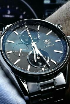 Love the black dial !