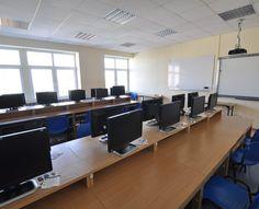 Sala komputerowa w Toruniu - #sale #saleszkoleniowe #saletorun #salaszkoleniowa #szkolenia  #szkoleniowe #sala #szkoleniowa #toruniu #konferencyjne #konferencyjna #wynajem #sal #sali #torun #szkolenie #konferencja #wynajęcia #toruń #komputerowa