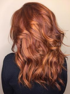 45 Copper Red Ginger Hair Color Ideas I love absolutely love this color. Are you looking for ginger hair color styles? See our collection full of ginger hair color styles and get inspired! Red Balayage Hair, Red Blonde Hair, Copper Balayage, Caramel Balayage, Honey Balayage, Caramel Highlights, Caramel Hair, Blonde Bayalage, Balayage Highlights