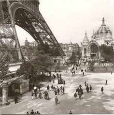 The Eiffel Tower Exposition Universelle - Paris, France 1900 Tour Eiffel, Paris Torre Eiffel, Paris Eiffel Tower, Eiffel Towers, Paris Pictures, Paris Photos, Old Pictures, Old Photos, Amazing Pictures